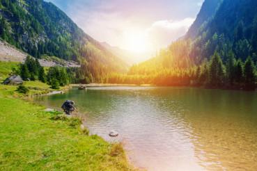 Scenic Mountain Lake Hike