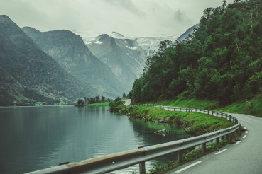 Scenic Norwegian Route Along the Lake