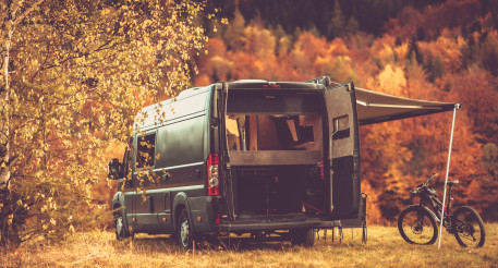 Scenic RV Camping Spot with Fall Foliage Scenery