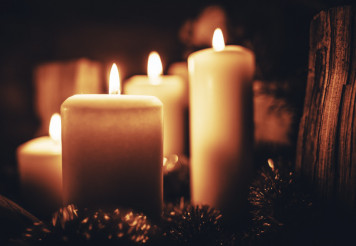 Season Greetings Candles