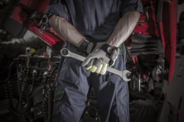 Semi Truck Pro Mechanic