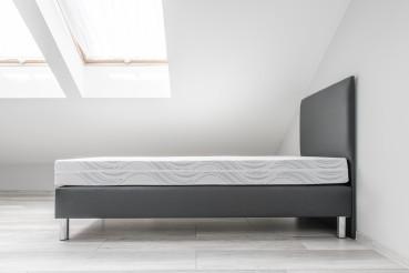 Single Bed in Clean Attic Bedroom