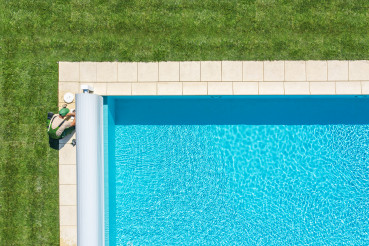 Swimming Pool Maintenance Skimmer Filter Cleaning