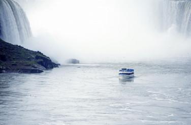 Tour Boat in Niagara