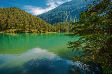 Turquoise Crystal Clean Water in the Bavarian Lake