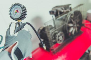 Using Air Compressor Tool