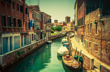 Venice Canal Place