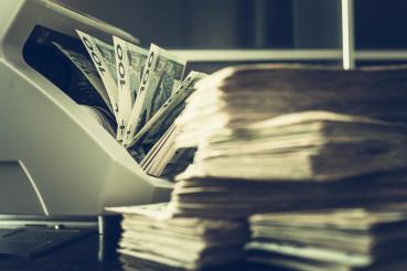 Bill Counter Totals Money Amount.