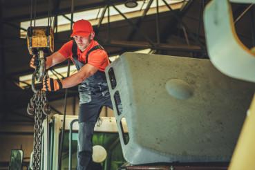 Warehouse Lift Operating