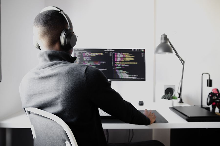 The wellpaid.io marketplace: a hirer's direct line to the very best tech contractors