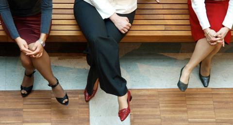The Perfect Form: Your Interview Body Language - Wetfeet