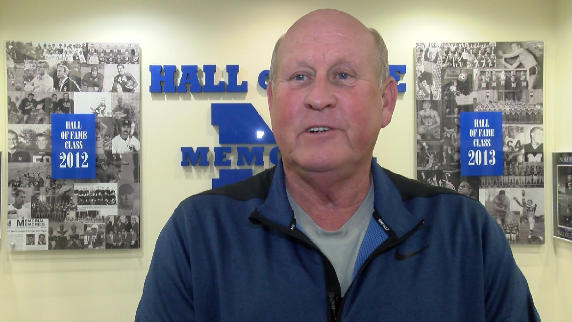 Photo of Memorial's Dockery Reflects on 500 Wins Ahead of Sectionals