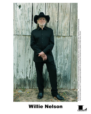 Willie Nelson Is Coming to Evansville