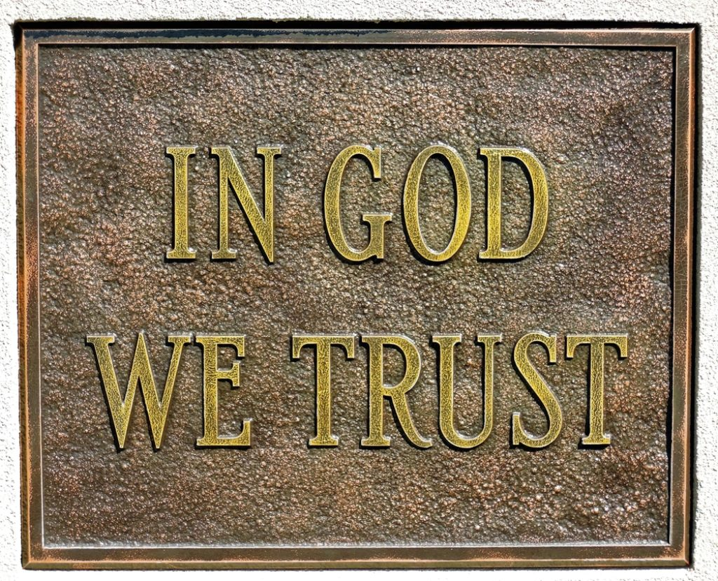 Photo of Lawmakers Vote to Put 'In God We Trust' in Schools