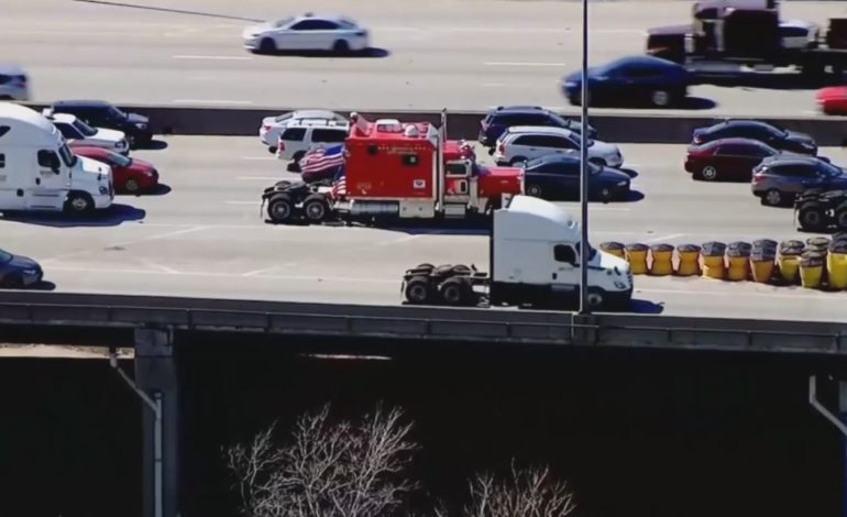 Truckers Participate in Slow Roll in Illinois