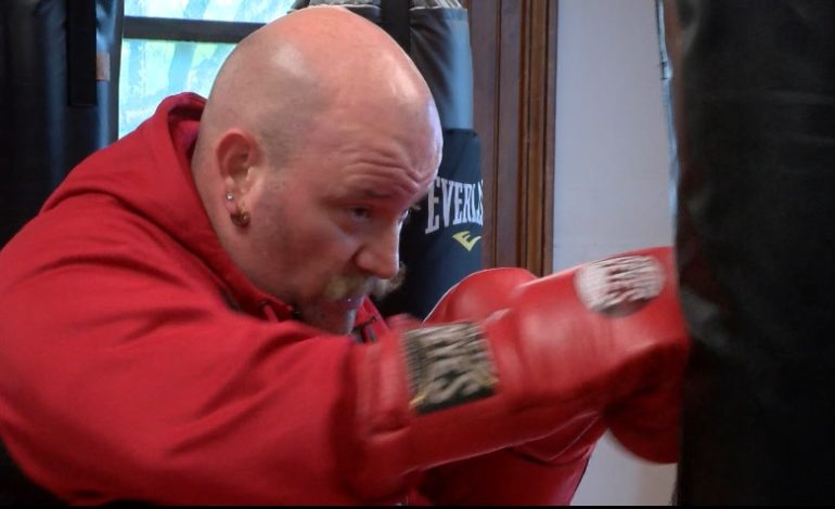 Boxer to Remember Fellow Firefighters During Match