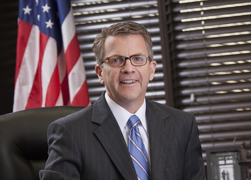 Photo of Lloyd Winnecke Wins Re-Election as Evansville Mayor