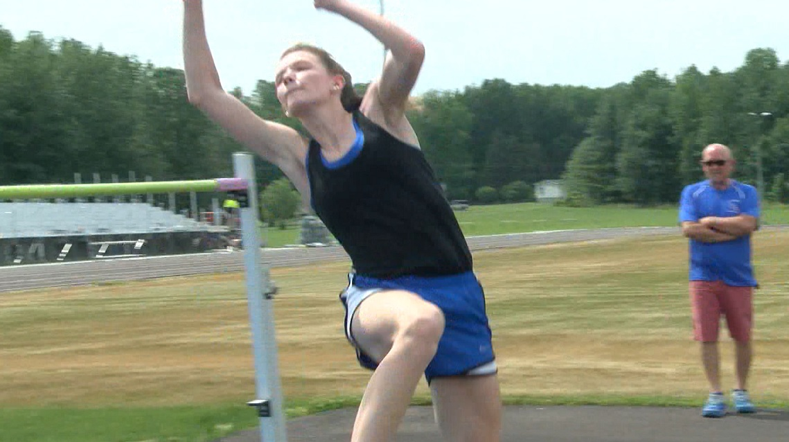 Photo of Kelsey Bowlds Looks to Make a Splash at the State Track Meet