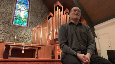 Photo of Faith Over Fear: Henderson Reverend Holds Church Services Online