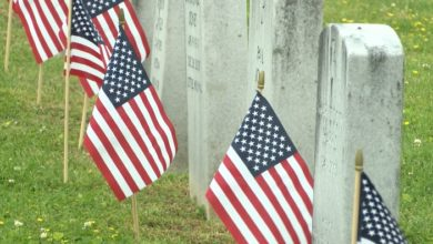 Photo of Cemeteries Change Memorial Day Services Amid Pandemic