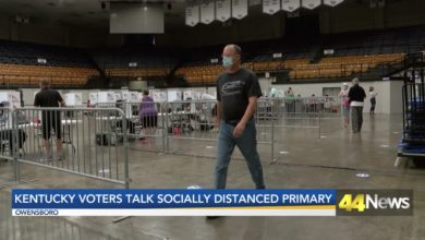 Photo of Owensboro Voters Talk Socially Distanced Primary