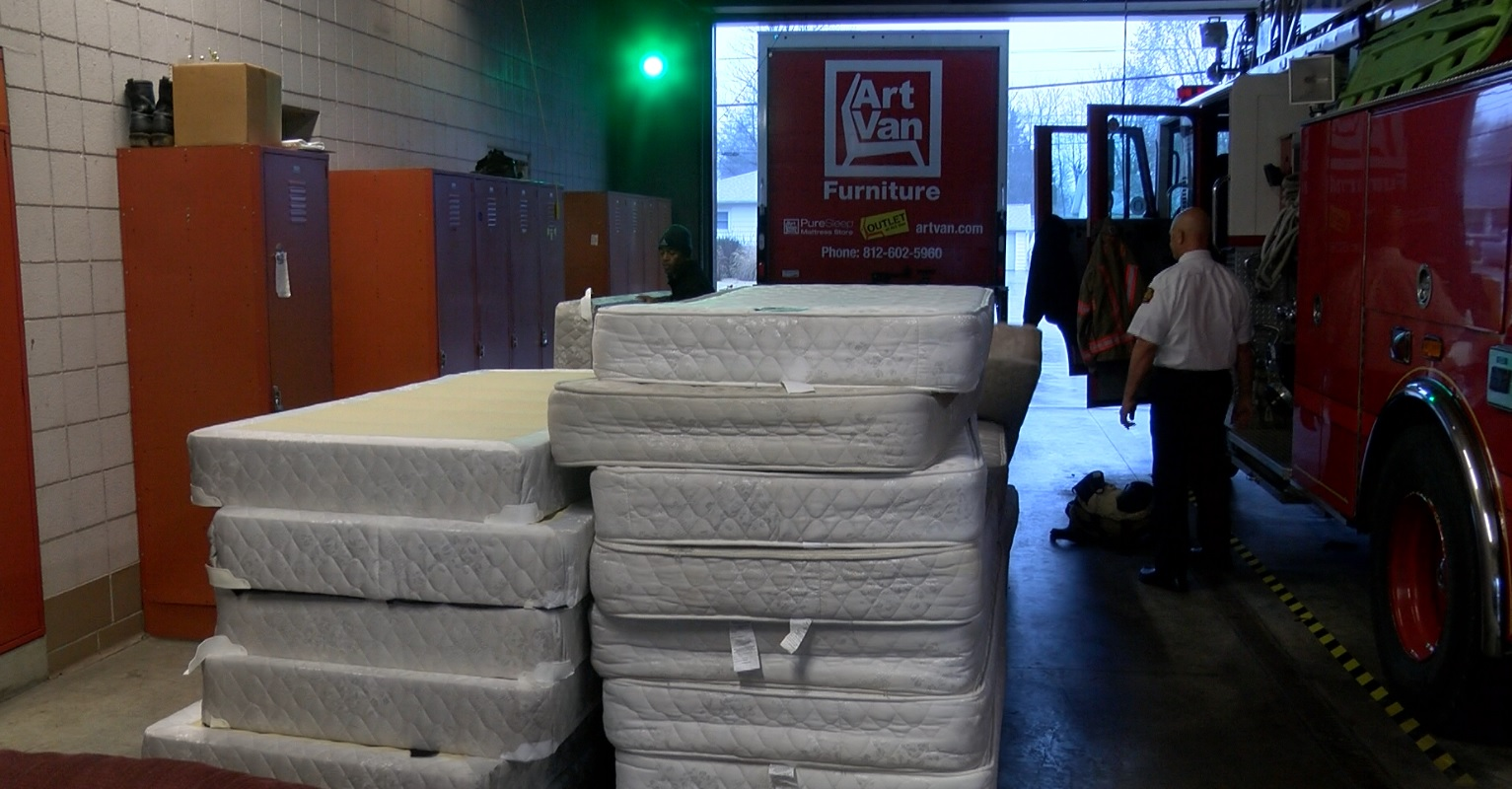 Furniture Store Donates Mattresses To Firefighters 44news