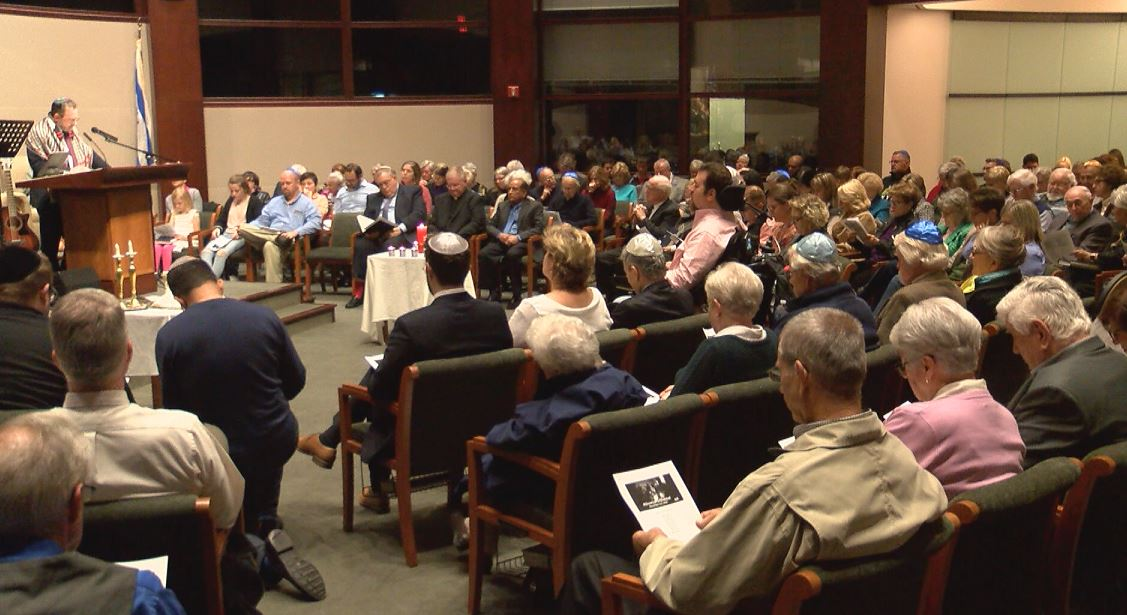 Photo of Hundreds Gather At Newburgh Temple For Show Up For Shabbat
