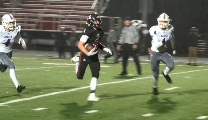 Photo of Southridge Spreads the Love in Selfless Offense