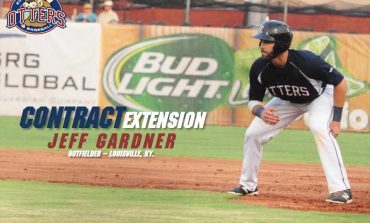 Evansville Otters Sign Contract Extension For Jeff Gardner