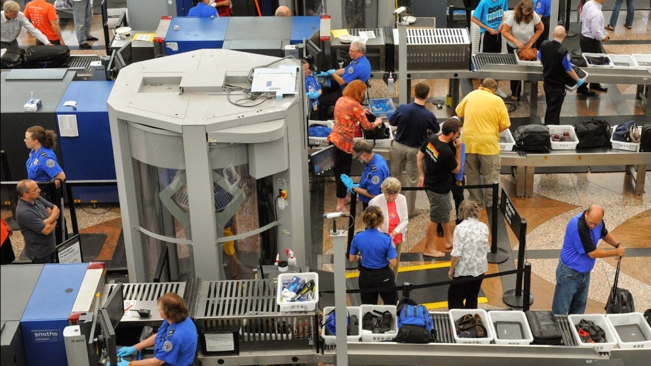 Photo of TSA Says 52 Screening Officers, 22 Non-Screening Employees Test Positive for COVID-19