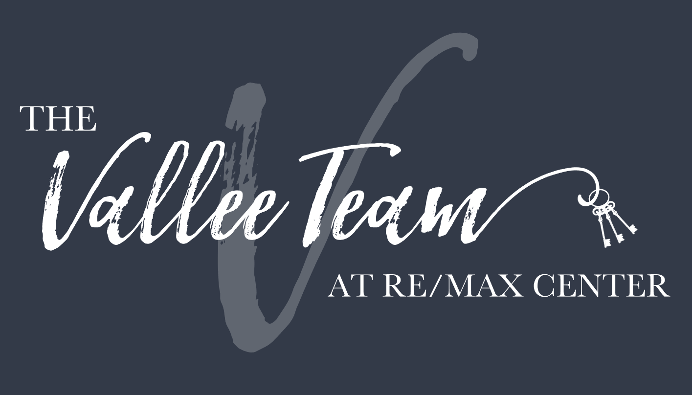 The Vallee Team at RE/MAX Center logo
