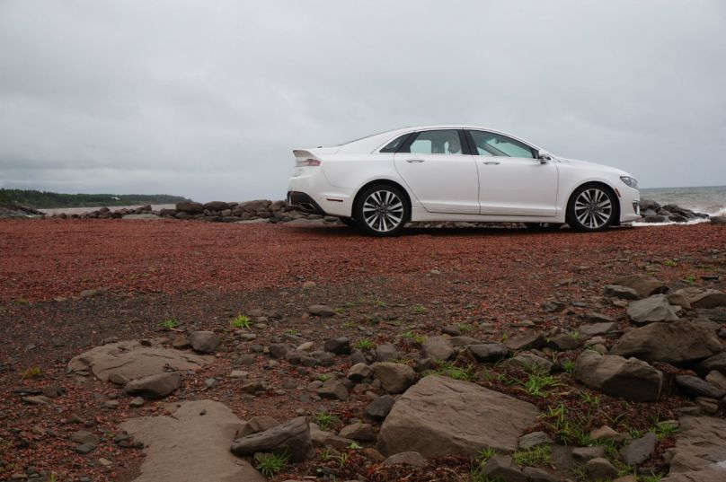 Preview: 2017 Lincoln MKZ blends style and substance