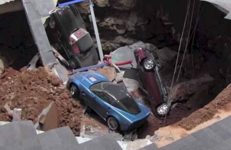 Corvette Sinkhole: Amazing security camera footage