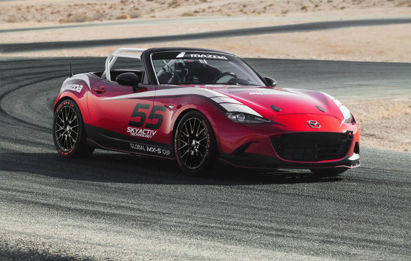 Mazda MX-5 Miata Waves Green Flag on Global Cup Series
