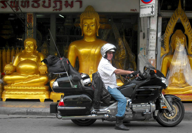 90,000 km ride around the world on a Gold Wing