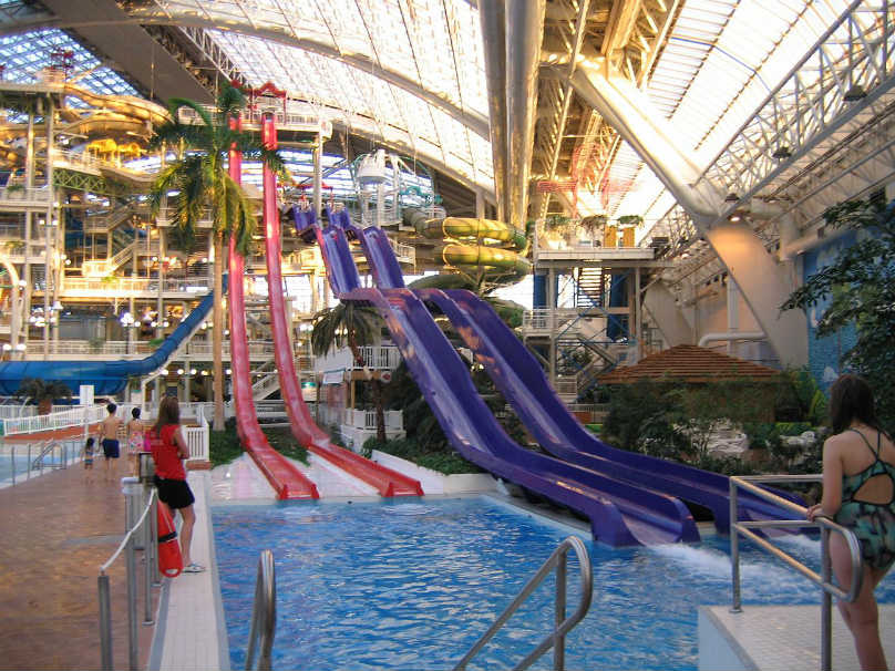 A Guide To Canada's Best Water Parks