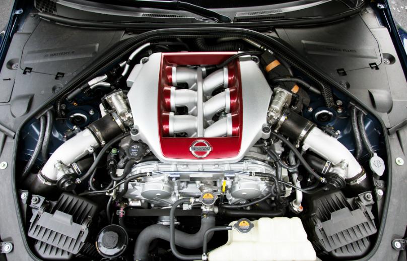 nissan-gt-r-2017-engine