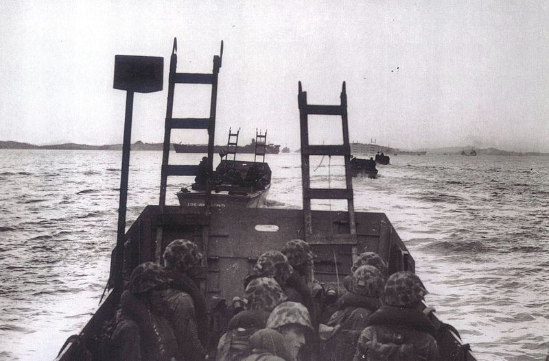 598086dd0dd89_Marines_Landing_at_Inchon_Korea_15_September_1950_(6184777345).jpg.643d1ecd7989e03dac3ffbfcc828b92f.jpg