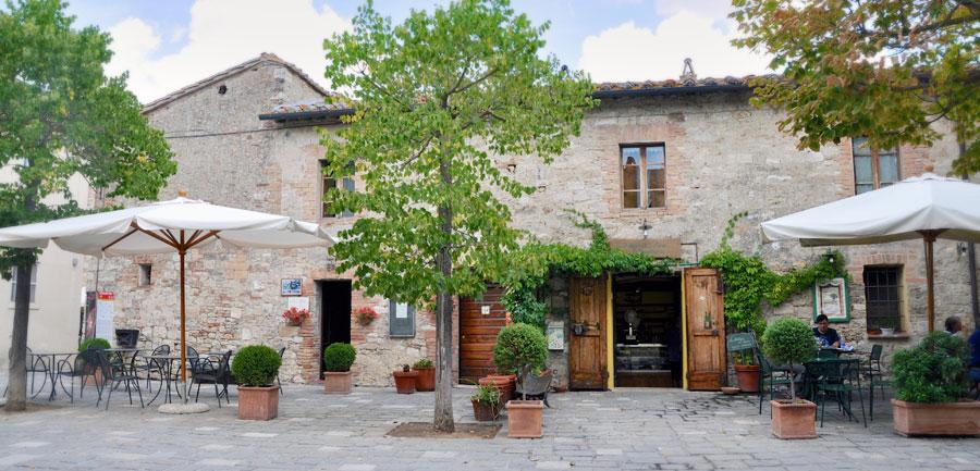 Wj.4022.tuscanyhiking_900x433_12