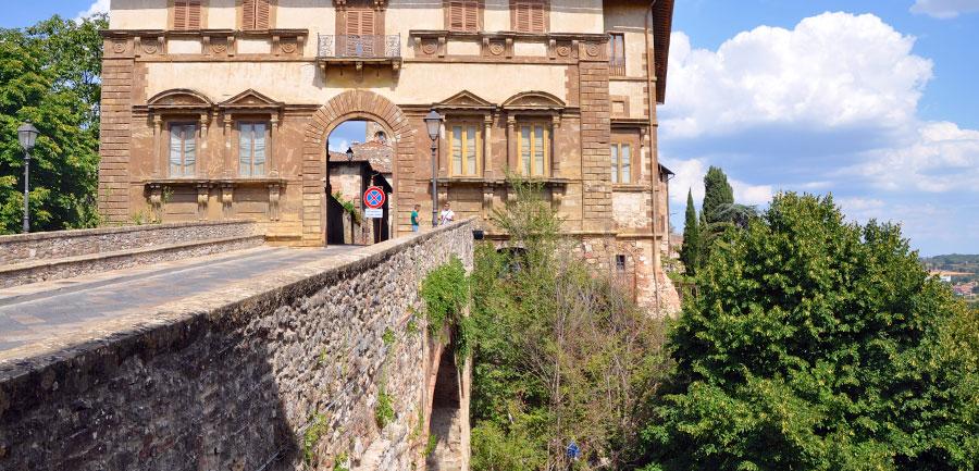 Wj.4022.tuscanyhiking_900x433_18