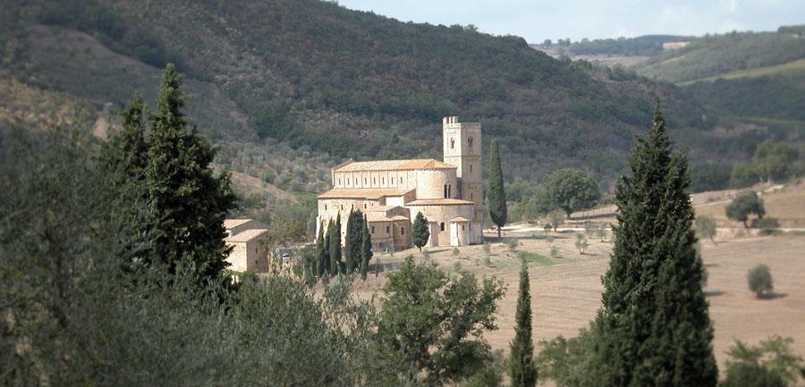 Wj.4022.tuscanyhiking_900x433_7