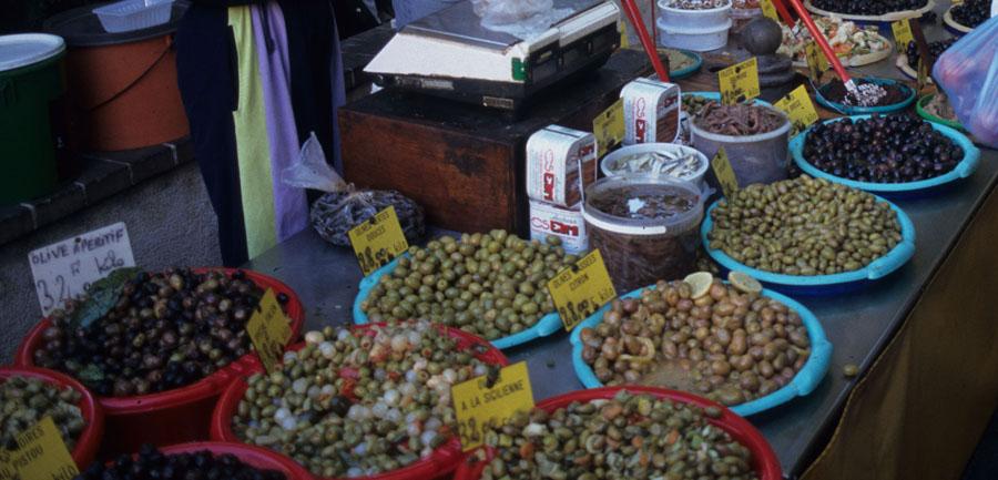 Wj_imgsfromsite_900x433_0001s_0012_aix_market_olive