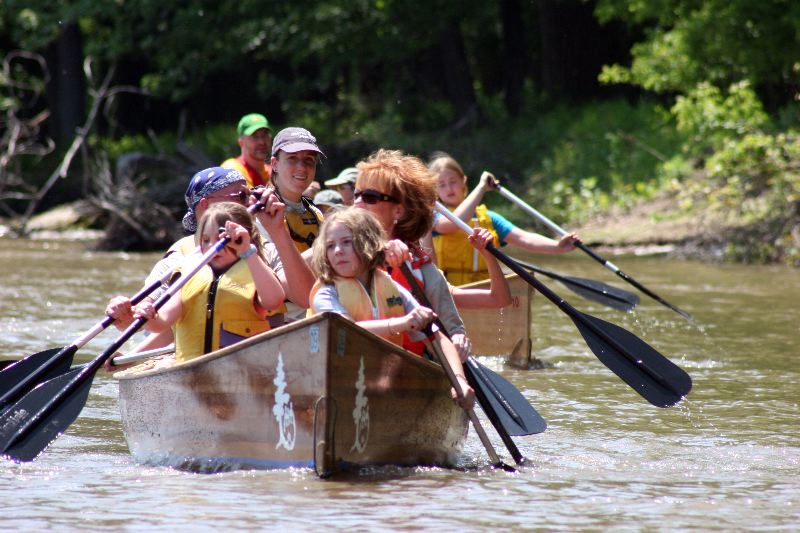 Voyageur canoes are a great way for families to experience the Mississippi together.