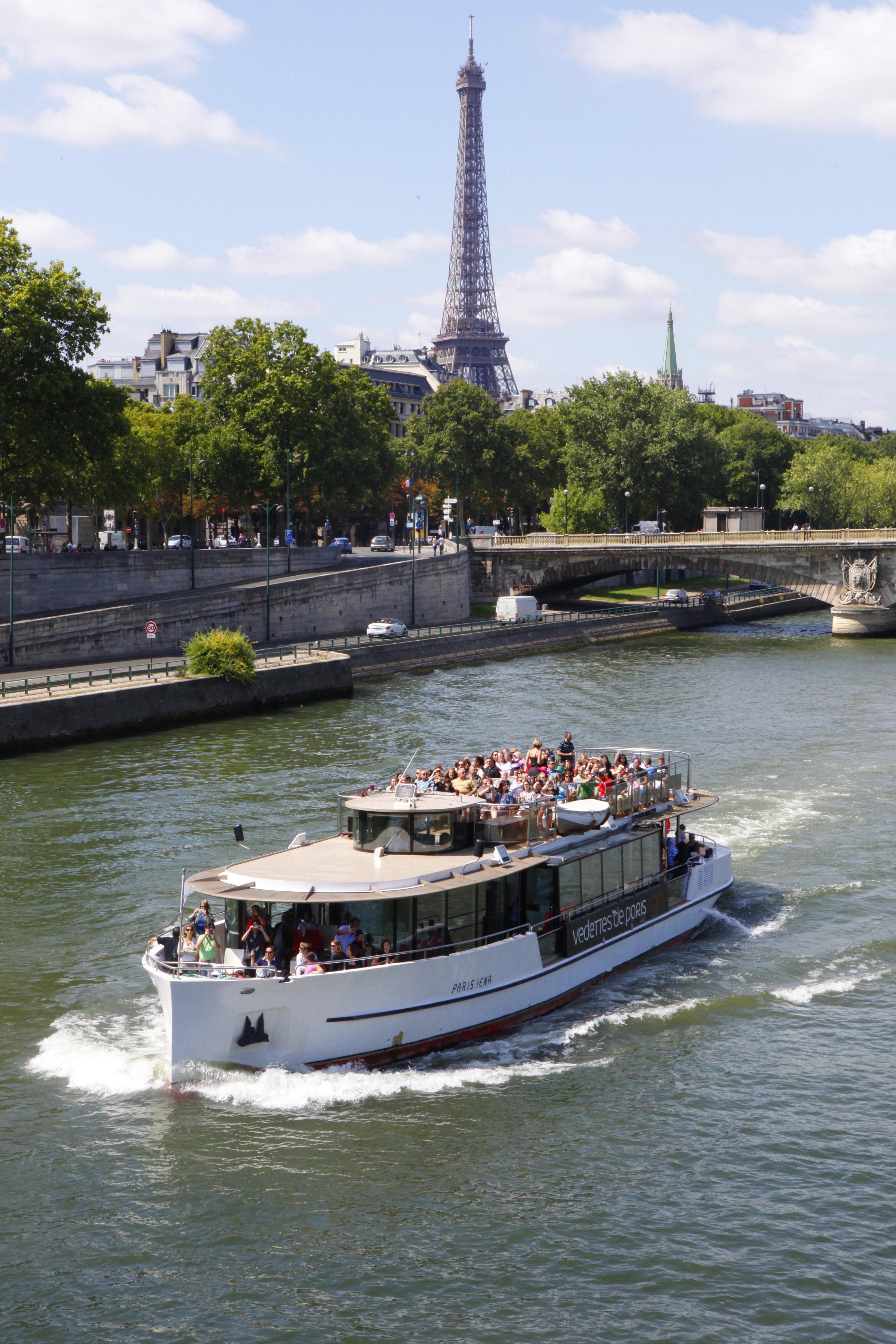 5-Vedettes-de-Paris-Paris
