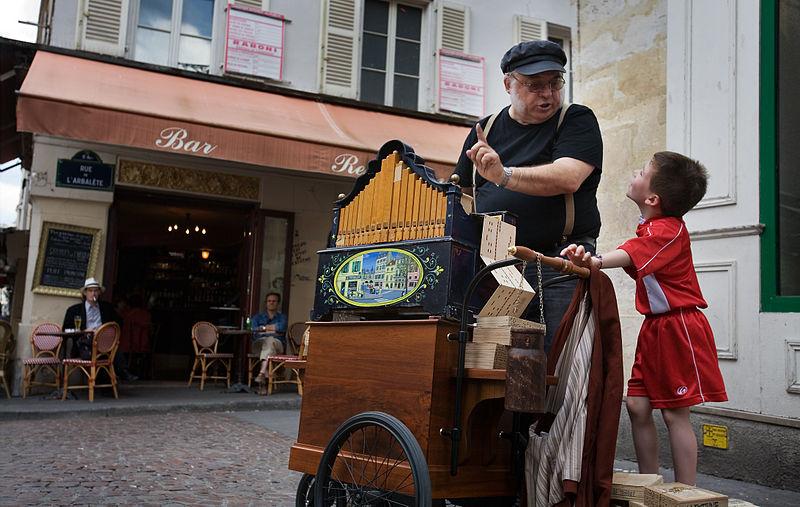 old,organ,kid,parisian,tourism,tourguide