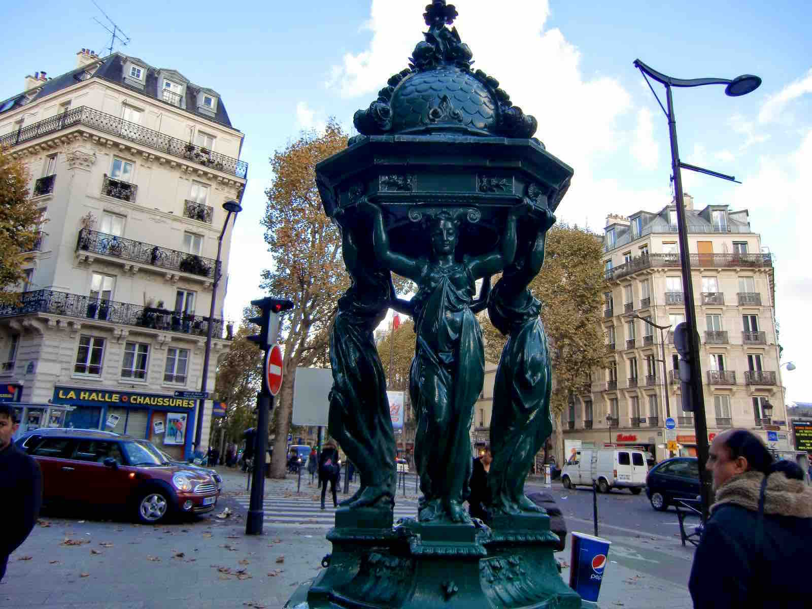 tour, local, hidden, secret, attractions, Paris, unusual, special, tourist, tourism