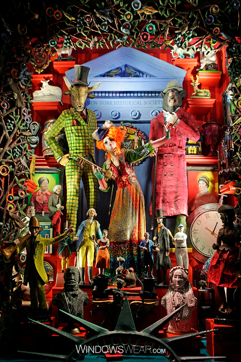 Bergdorf Goodman Pays Tribute to NYC with Dazzling Holiday Displays