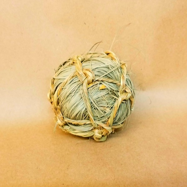Munchie Tied Sea Grass Natural Ball For Birds 1 pc