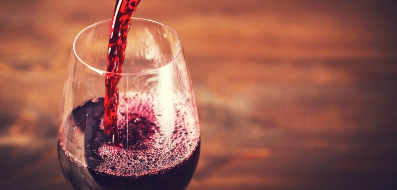 Etiquette: Wine Tasting Do's & Don'ts | WineCountry.com