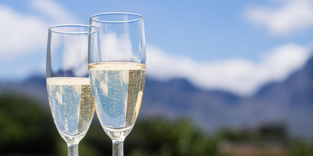 champagneGlassesOutside_LrgSlideshow1200x600